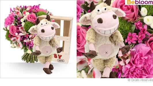 Offrir un cadeau de naissance fille, fleurs et peluche